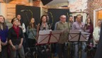 Video «Singen für den guten Zweck: Padi Bernhard schreibt Weihnachtslied» abspielen