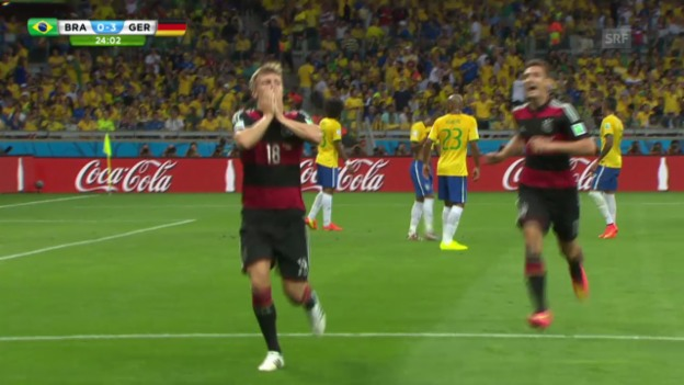Video «FIFA WM 2014: Toni Kroos an 4 Toren beteiligt» abspielen