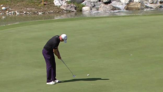Video «Golf: Open in Crans-Montana, 3. Runde: Schönste Schläge von Graeme Storm» abspielen