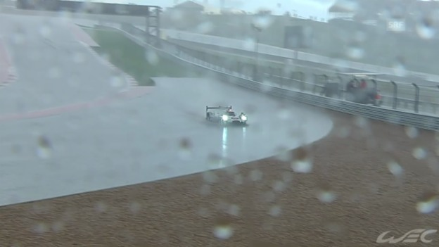 Video «Motorsport: Langstreckenrennen in Austin, Regen-Impressionen» abspielen