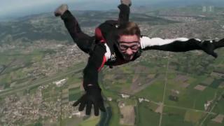 Video «Freifall - eine Liebesgeschichte» abspielen