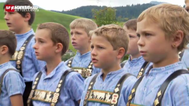 Video «Im Dorf singt der Bubenchor» abspielen
