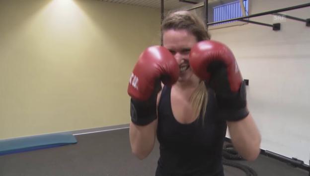Video «Kathrin Hönegger schlägt zu!» abspielen