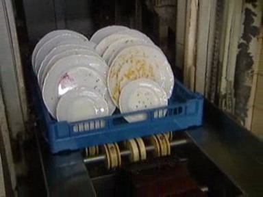 Video «Geschirrspülmittel im Test: Hochglanz aus der Maschine» abspielen