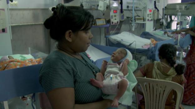 Video «Ma Na Sapna - Geliehenes Mutterglück» abspielen