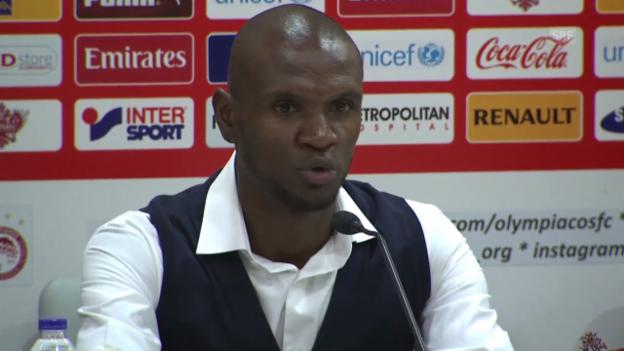 Video «Fussball. Abidal erklärt Rücktritt» abspielen