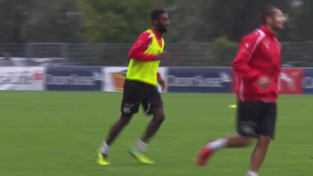 Video «Fussball: Fabian Schär und Johan Djourou im Nati-Training (ohne Kommentar)» abspielen