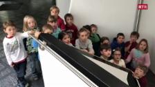 "Laschar ir video «Scola Val Alvra Dafora - scoletta cun la canzung ""Bun de - guata Tag""»"