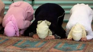 Video «Ein «Schweizer Islam» als Weg zur Integration?» abspielen