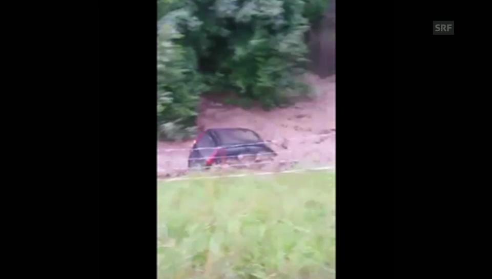 Sumiswald: Auto von der Grüne mitgerissen