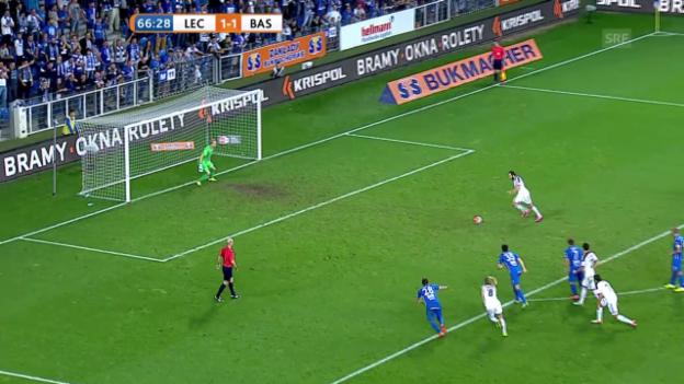 Video «Fussball: CL-Quali, Lech Posen - FC Basel, Gashi scheitert vom Punkt» abspielen