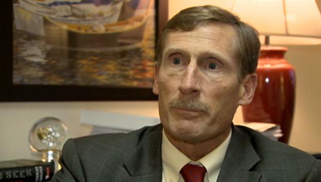 Video «Interview mit ehemaligen UNO-Experten Duelfer (Originalsprache)» abspielen