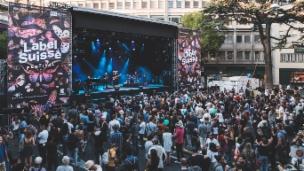 Laschar ir video «Label Suisse – ina gronda festa»