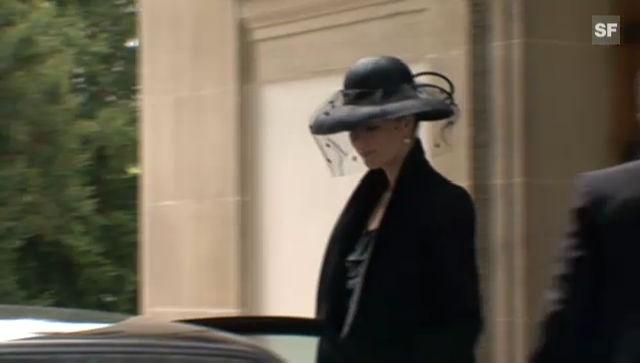Walter Roderers Witwe verlässt die Kreuzkirche in Zürich