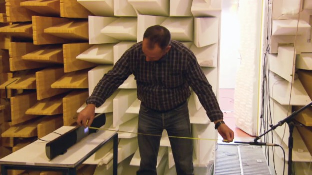 Video «Soundbar-Test: Voller Klang für flache TV-Bildschirme» abspielen