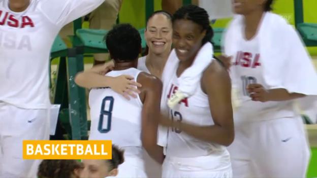 Video «US-Basket-Girls feiern Kantersieg» abspielen