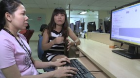 Video «Südostasien (2) – Lehmann-Trub / SR Technics / Post in Vietnam» abspielen