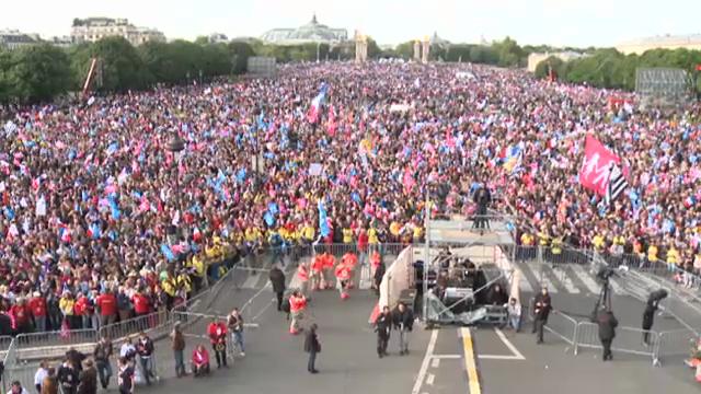 Gegen Homo-Ehe: Demonstrationen in Paris (unkomm.)
