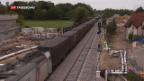 Video «Die Züge auf der Rheintalbahnstrecke fahren wieder» abspielen