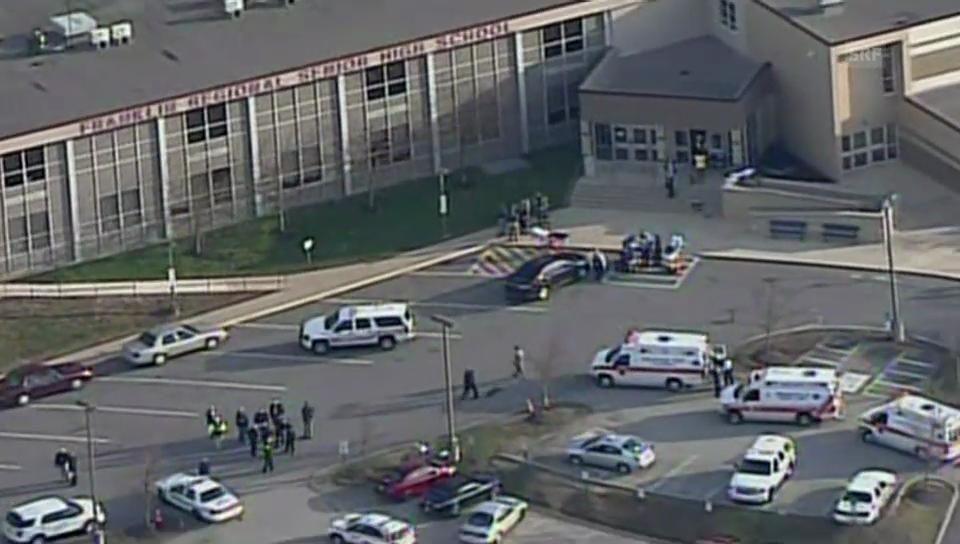 Helikopter-Aufnahmen der High-School in Murrysville (unkommentiert)