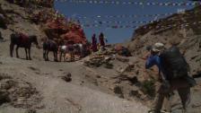 Video «Gebetsfahnen in Mustang» abspielen