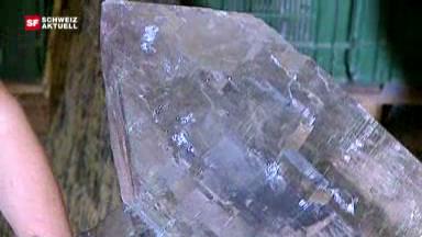 Riesiger Kristall wird poliert