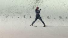 Link öffnet eine Lightbox. Video Geiger segelt auf 141 m und zum Sieg abspielen