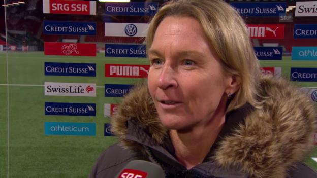 Video «Fussball: Frauen Nationalmannschaft, Trainerin Martina Voss-Tecklenburg zieht Bilanz» abspielen