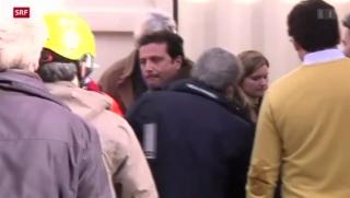 Video «Kapitän Schettino kehrt auf sein Unglücksschiff zurück» abspielen
