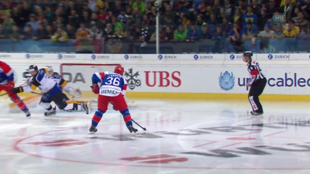 Video «Eishockey: Spengler Cup 2015, Jokerit-Lugano, 4:4 Larsen» abspielen