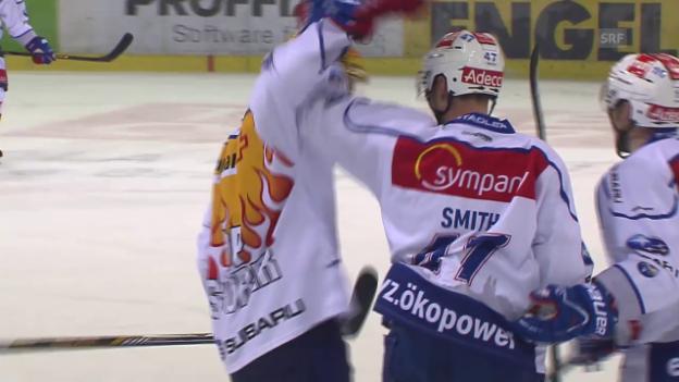 Video «Eishockey: Smith' letztes Tor für die ZSC Lions» abspielen