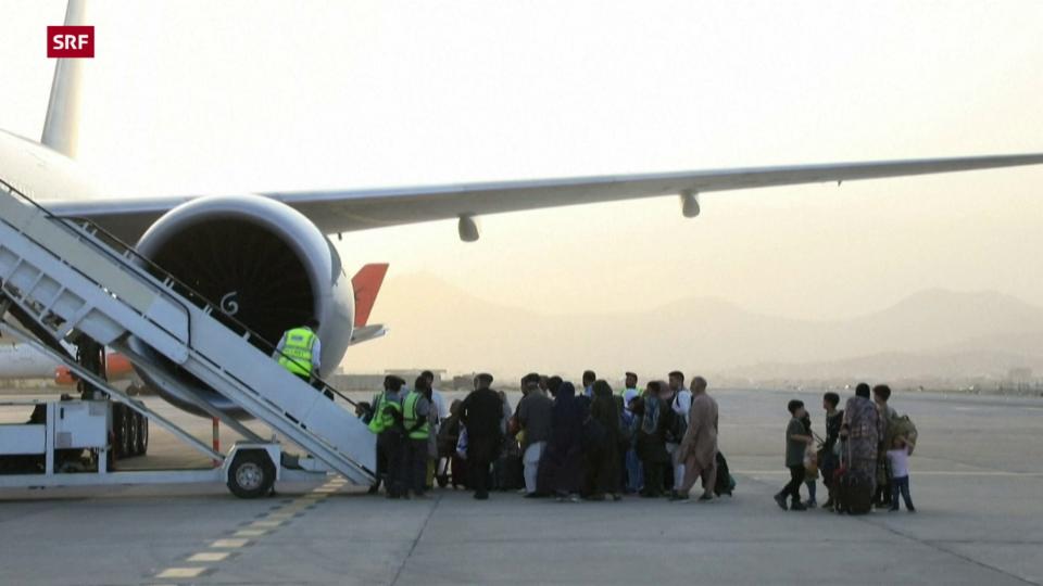 Bilder vom ersten Evakuierungsflug nach US-Abzug