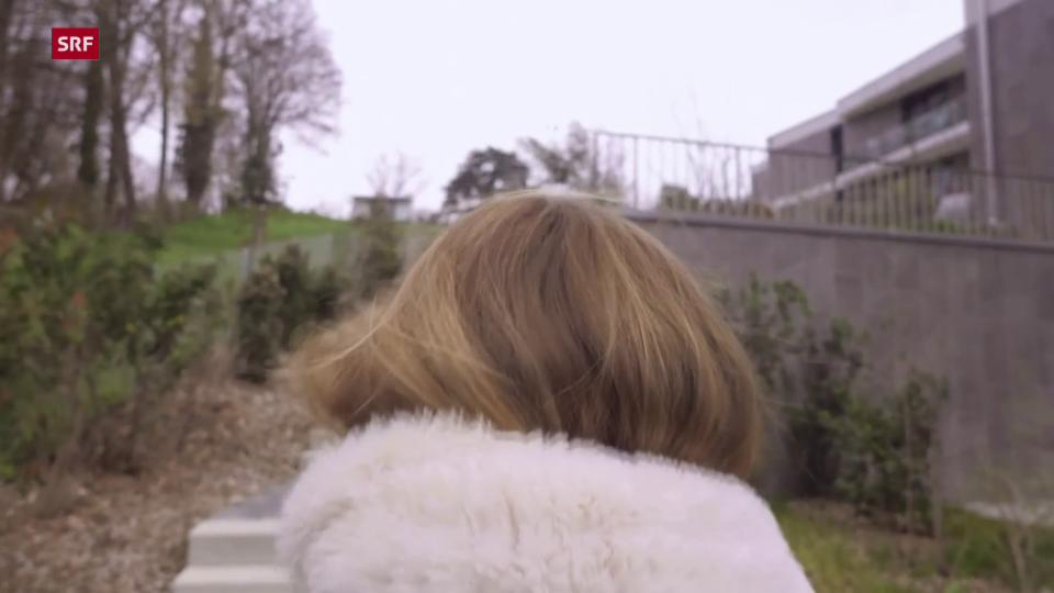 Claire: «Er nannte es 'Gutenachtumarmungen', es war normal.»