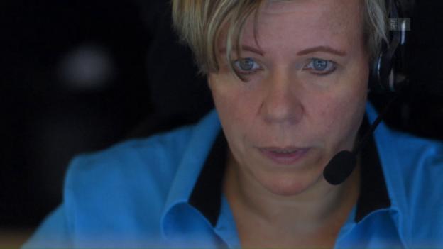 Video «Notrufzentrale: Streng nach Protokoll» abspielen