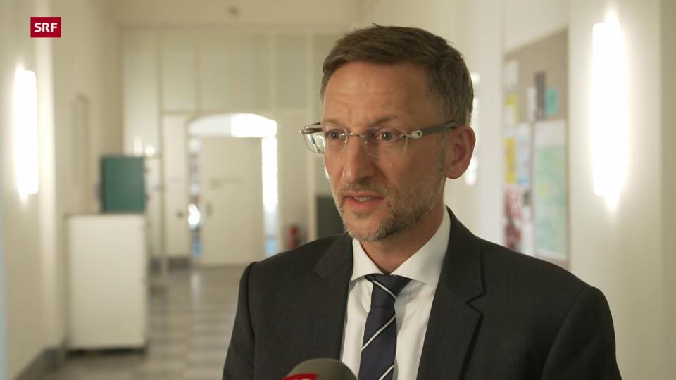 Florent Thouvenin, Professor für Kommunikationsrecht: «In der Schweiz gibt es keine konkrete Regelung zur Haftung von Plattformen.»