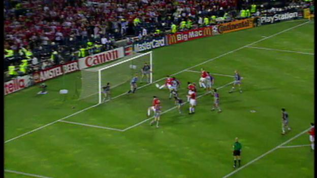 Video «2 ManU-Tore in der Schlussphase des Finals 1999» abspielen