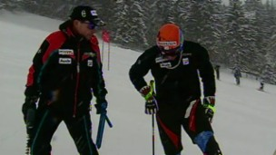 Video «Sepp Brunner: Er, der aus guten Fahrern Spitzenfahrer formte» abspielen