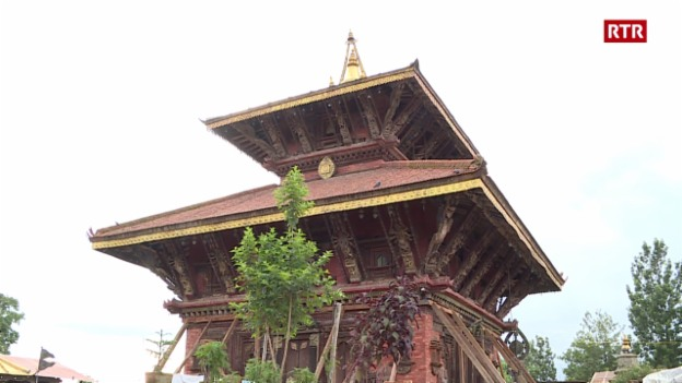 Laschar ir video «Visita a Changu Narayan»