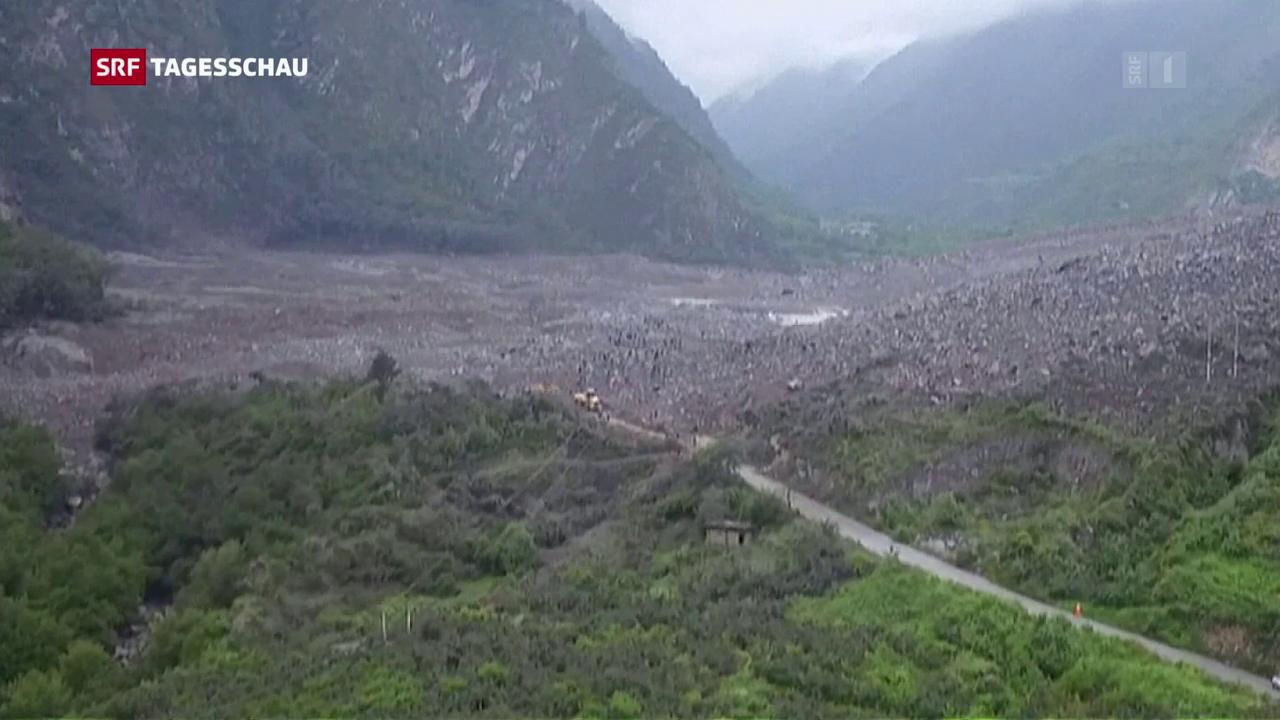 Steinlawine begräbt Siedlung in Chin
