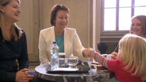 Video «BKW-Chefin Suzanne Thoma: Energische Frau für die Energiewende» abspielen