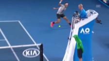 Link öffnet eine Lightbox. Video Unmögliche Position: Federer zaubert gegen Nishikori abspielen