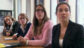Video «Fachkräftemangel bekämpfen – mit der Berufslehre auf Englisch» abspielen