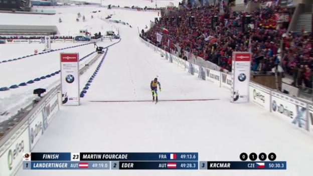 Video «Der Zieleinlauf von Martin Fourcade im 20-km-Rennen an der WM in Oslo» abspielen