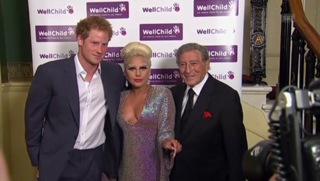 Video «Lady Gaga trifft Prinz Harry» abspielen