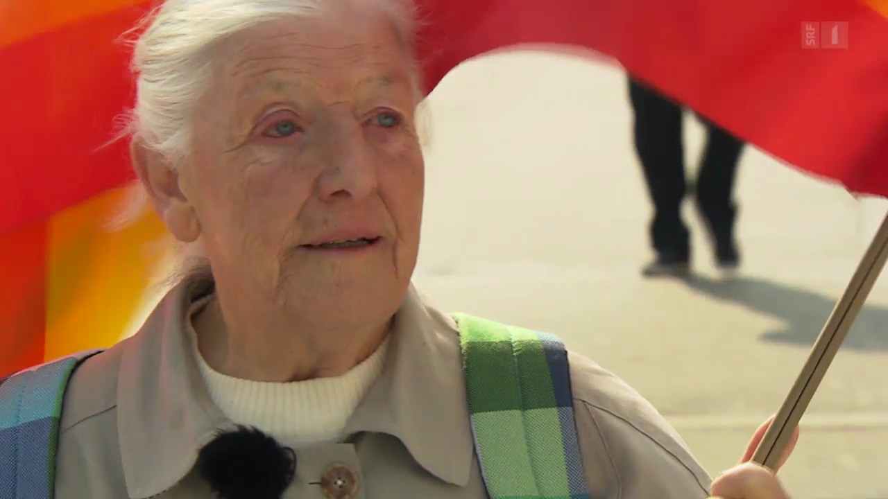 Louise, 83, Friedensaktivistin