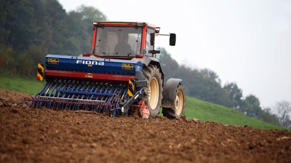 Wie Landwirte dem Klima zuliebe in ihren Böden CO2 speichern können