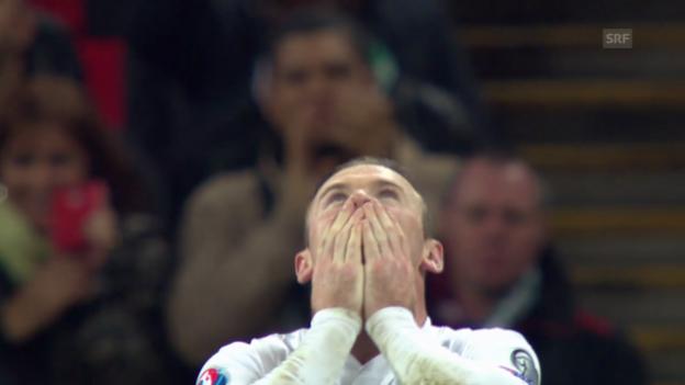 Video «Fussball: EM-Quali, England - Slowenien, Rooneys Penalty» abspielen