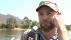 Video «Nik Hartmann und Nino Schurter auf Safari» abspielen