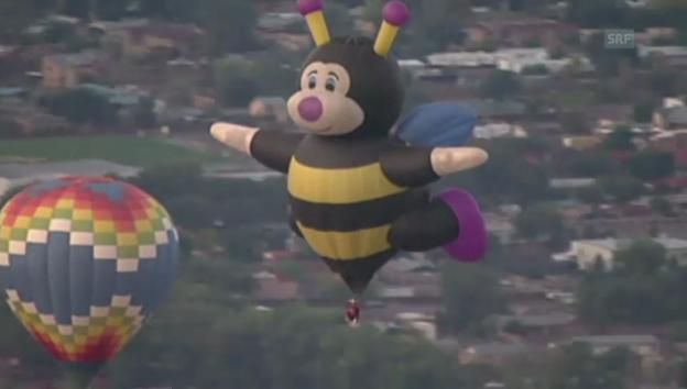 Video «Farbenfrohes Ballon-Festival» abspielen