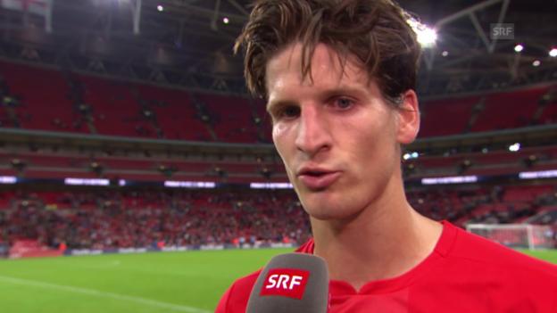 Video «Fussball: EM-Quali, England - Schweiz, Timm Klose im Interview» abspielen